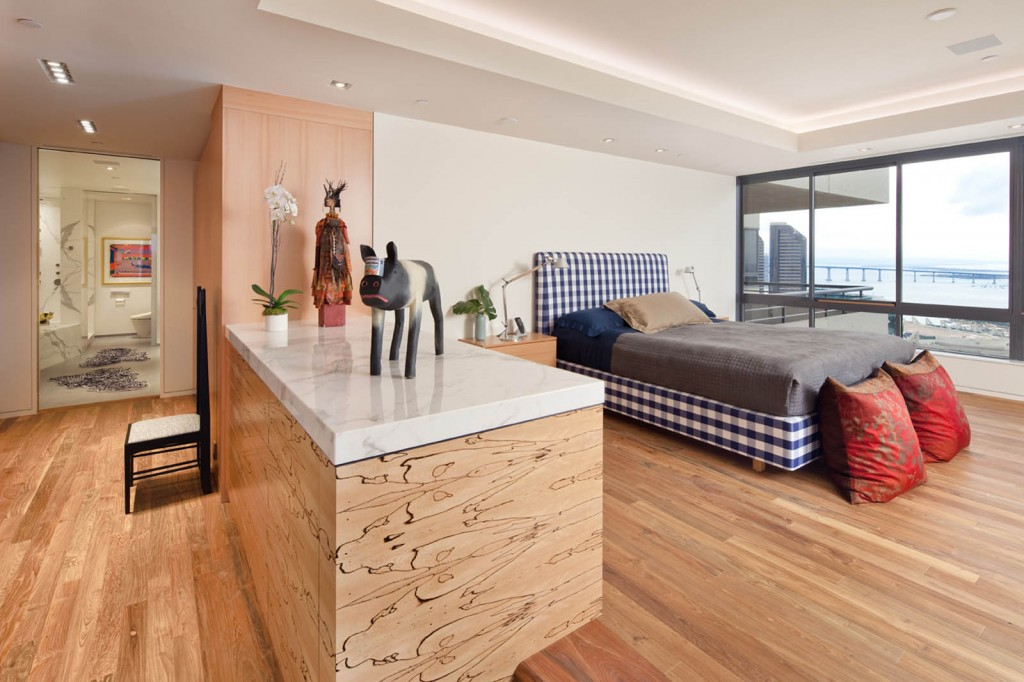 Indoteak-design-reclaimed-teak-flooring-bedroom