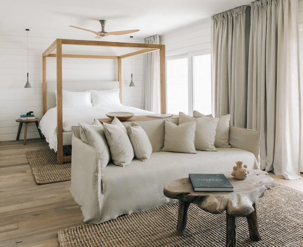 reclaimed-teak-indoteak-malibu-hotel-surfrider-bedroom
