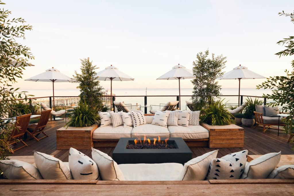 reclaimed-teak-indoteak-malibu-hotel-surfrider-decking-deck
