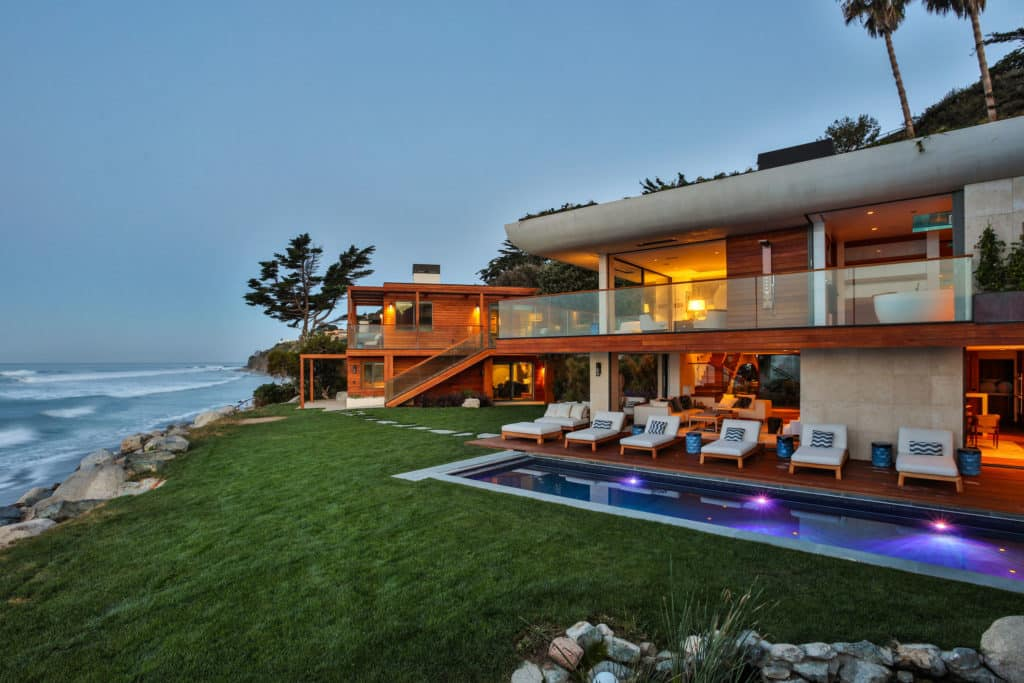 indoteak-design-custom-home-malibu-reclaimed-teak-decking