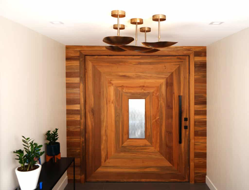 Pivot-door-indoteak-design-reclaimed-teak